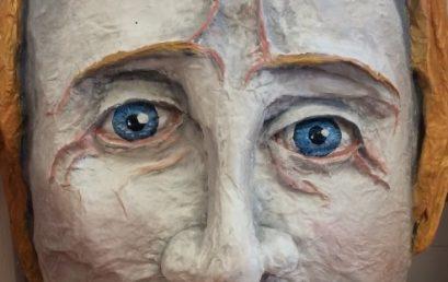 Kunstkurse erstellen überdimensionale Köpfe