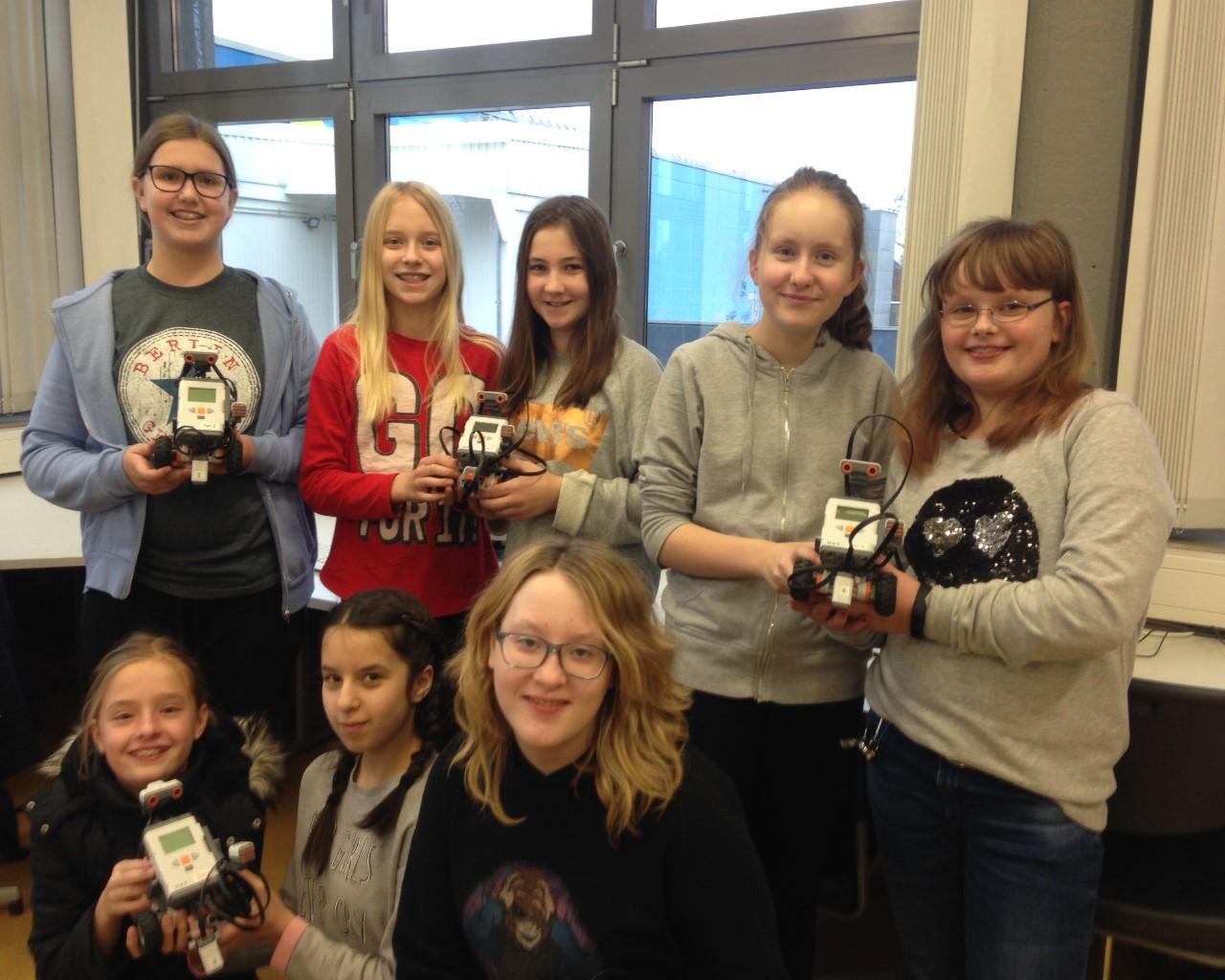 Im Finale: Mädchen-Computer-AG lässt Roboter tanzen